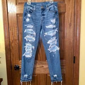 American Eagle- Distressed Mom Jeans